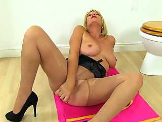 Busty gilf Tigger from the UK is looking tasty as ever